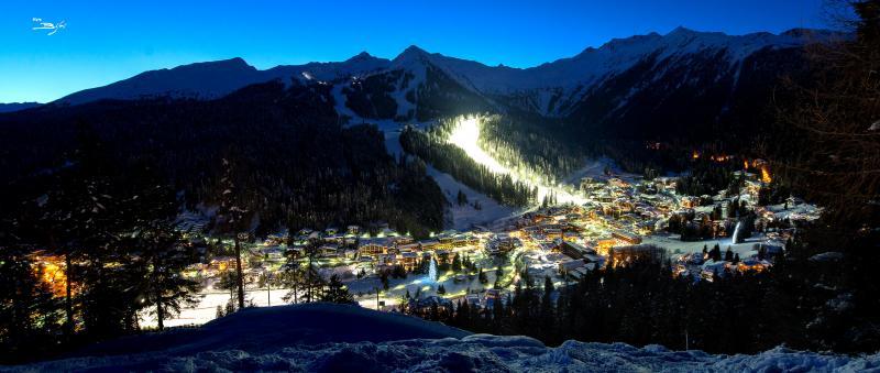 """Skifahren bei Nacht auf der Piste """"Canale Miramonti"""""""